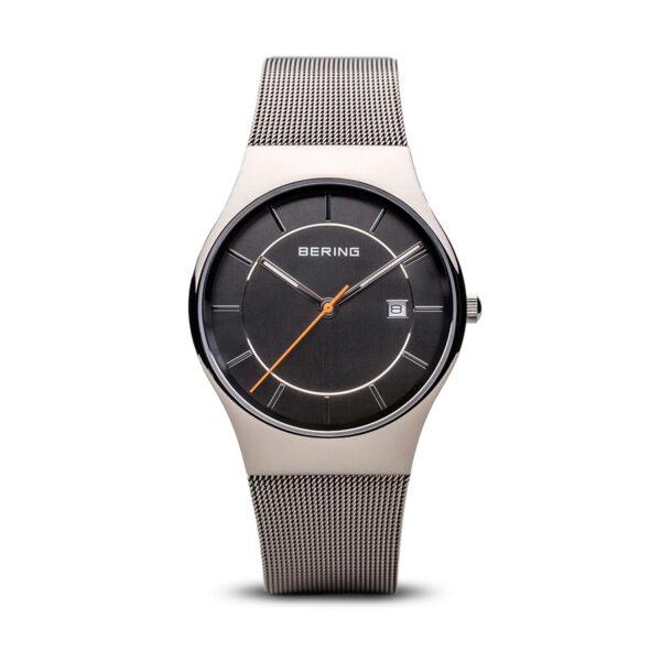 Reloj Bering Classic Hombre 11938-007 Acero gris con esfera gris calendario y agujas neón con correa malla milanesa acero