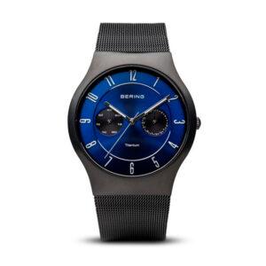 Reloj Bering Sale Hombre 11939-078 Titanio negro con esfera azul y gris calendario y correa malla milanesa negra